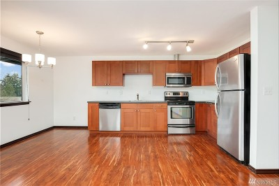 Seattle WA Condo/Townhouse For Sale: $299,900