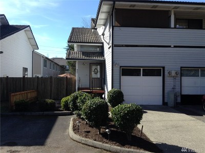 Renton Condo/Townhouse For Sale: 4207 NE 5th St #4207