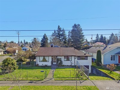 Seattle Single Family Home For Sale: 8402 18th Ave SW