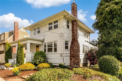 Seattle Single Family Home For Sale: 4402 Eastern Ave N
