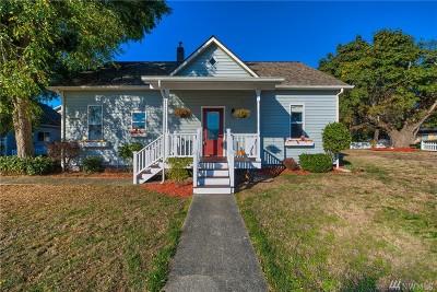 Oak Harbor Single Family Home For Sale: 1011 SW Glenmont