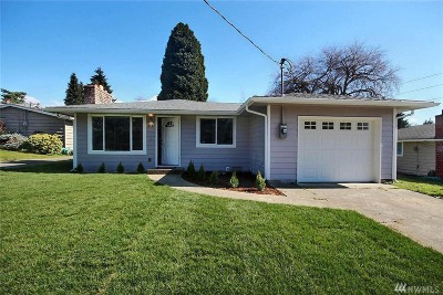 Renton Single Family Home For Sale: 2147 NE 12th St
