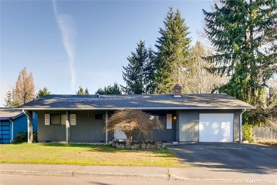 Renton Single Family Home For Sale: 2400 NE 27th St
