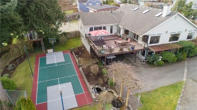 Everett Single Family Home For Sale: 4509 Seahurst Ave