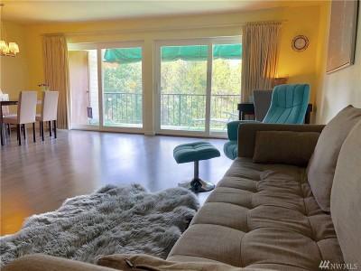Bellevue Condo/Townhouse For Sale: 321 Bellevue Wy SE #302