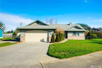 Burlington Single Family Home For Sale: 20237 Gardner Rd
