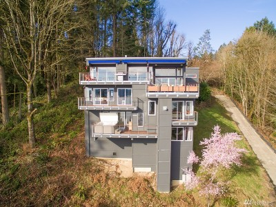 Bellevue Single Family Home For Sale: 411 W Lake Sammamish Pkwy SE