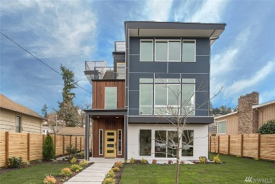 Seattle Single Family Home For Sale: 3416 33rd Ave W