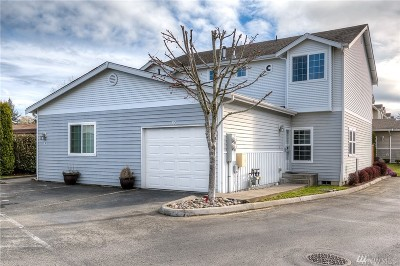 Puyallup Condo/Townhouse For Sale: 617 7th St SE #10