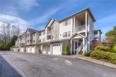 Lynnwood Condo/Townhouse For Sale: 14714 Admiralty Wy #A316