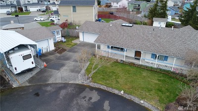 Spanaway Single Family Home For Sale: 8103 204th St Ct E