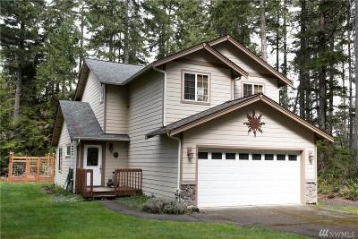 Mason County Single Family Home Pending: 11 E Country Club Place