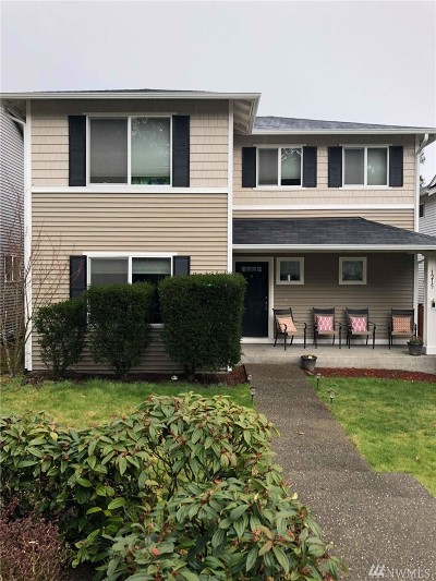 Dupont Single Family Home For Sale: 1215 Burnside Place
