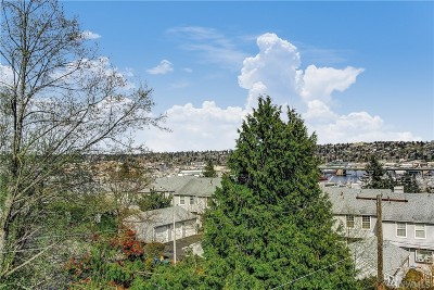 Seattle Condo/Townhouse For Sale: 3710 25th Place W #402
