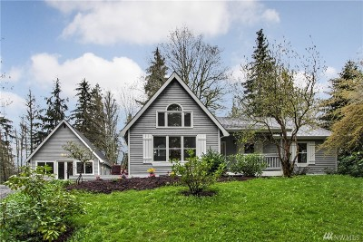Redmond Single Family Home For Sale: 24726 NE 52nd Place
