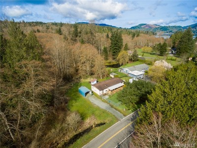 Bellingham Single Family Home For Sale: 207 Shallow Shore Lane