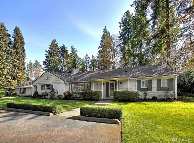 Lakewood Single Family Home For Sale: 8211 N Thorne Lane SW