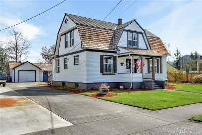 Enumclaw Single Family Home Contingent: 1037 Lafromboise St