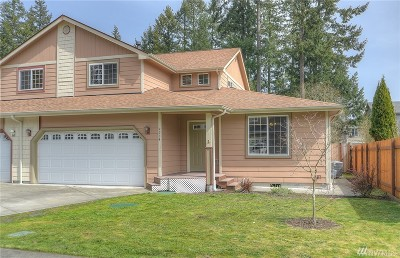 Lacey Single Family Home For Sale: 9234 Fairhill Dr NE