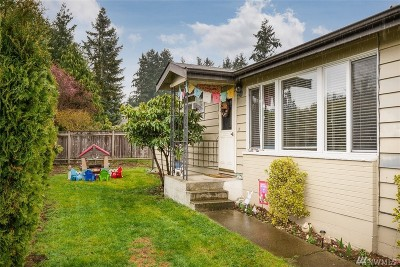 Bothell Single Family Home For Sale: 10527 Beardslee Blvd