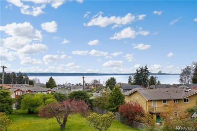 Edmonds Condo/Townhouse For Sale: 1414 9th Ave N #201