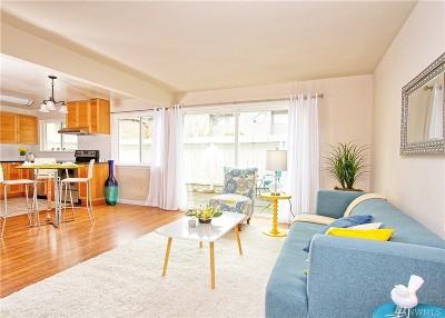 Bellevue Condo/Townhouse For Sale: 12211 SE 59th St #65