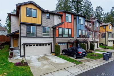 Bothell Condo/Townhouse For Sale: 16516 1st Dr SE