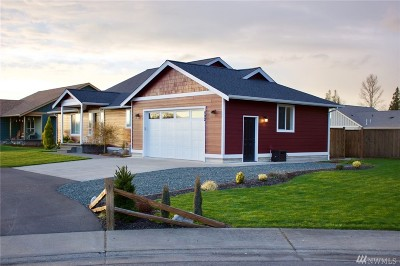 Nooksack Single Family Home Contingent: 502 Harrison Lane