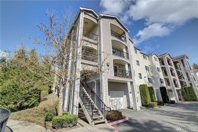 Bothell Condo/Townhouse For Sale: 10709 Valley View Rd #A202