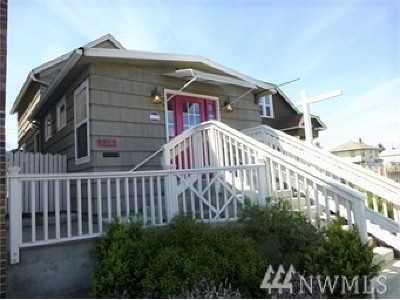 Everett Single Family Home For Sale: 2212 Broadway Ave