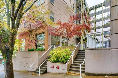 Condo/Townhouse Sold: 506 E Howell St #106