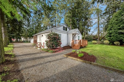 Seattle Single Family Home For Sale: 105 SW 119th St