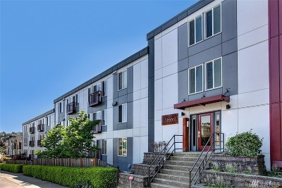 Seattle Condo/Townhouse For Sale: 3661 Phinney Ave N #108