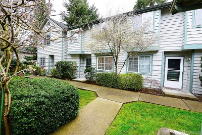 Mountlake Terrace Condo/Townhouse For Sale: 21301 50th Ave W #D2