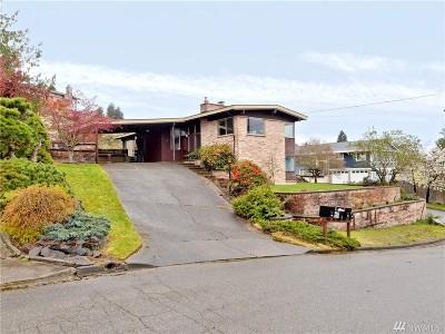 Renton Single Family Home For Sale: 523 Stevens Ct NW