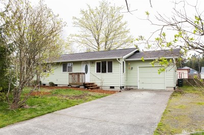 Blaine Single Family Home Pending Inspection: 6996 Helweg Lane