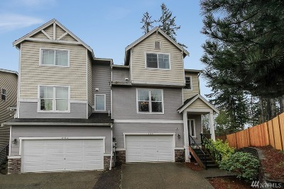 Everett Condo/Townhouse For Sale: 212 NW 125th Place #B