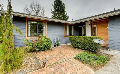 Bellingham Single Family Home For Sale: 1203 Kale Lane