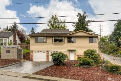 Renton Single Family Home For Sale: 308 Langston Rd