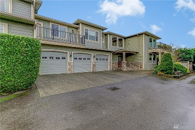 Edmonds Multi Family Home For Sale: 1028 Puget Dr