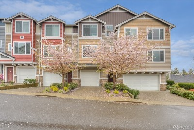 Lynnwood Condo/Townhouse For Sale: 15720 Manor Wy #R6