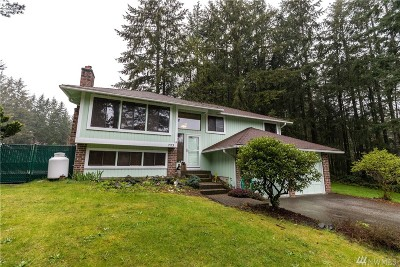 Port Orchard Single Family Home For Sale: 723 SW Little Tree Cir