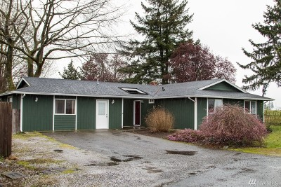 Lynden Single Family Home Pending Inspection: 6748 La Monte Dr