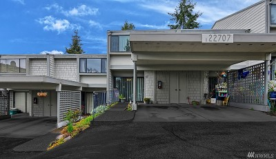 Mountlake Terrace Condo/Townhouse For Sale: 22707 Lakeview Dr #G3