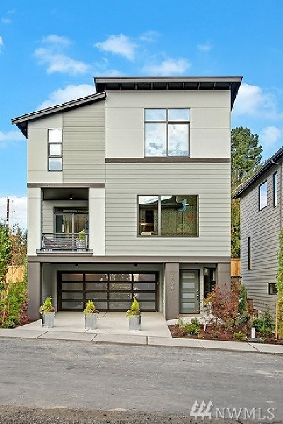Lynnwood Single Family Home For Sale: 17806 19th Ave W #13