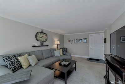 Condo/Townhouse Sold: 939 N 101st St #303