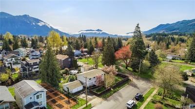 Snoqualmie Single Family Home For Sale: 8376 Silva Ave SE