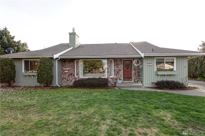 Lynden Single Family Home For Sale: 402 Cascade Wy