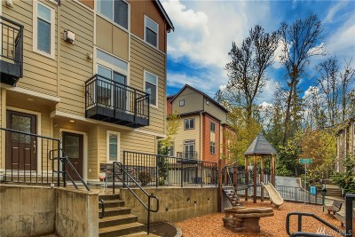 Issaquah Condo/Townhouse For Sale: 2219 NW Hidden Lane