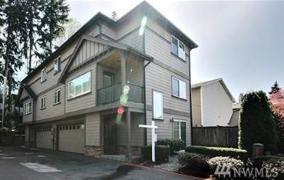 Everett Condo/Townhouse For Sale: 7117 Rainier Dr #C